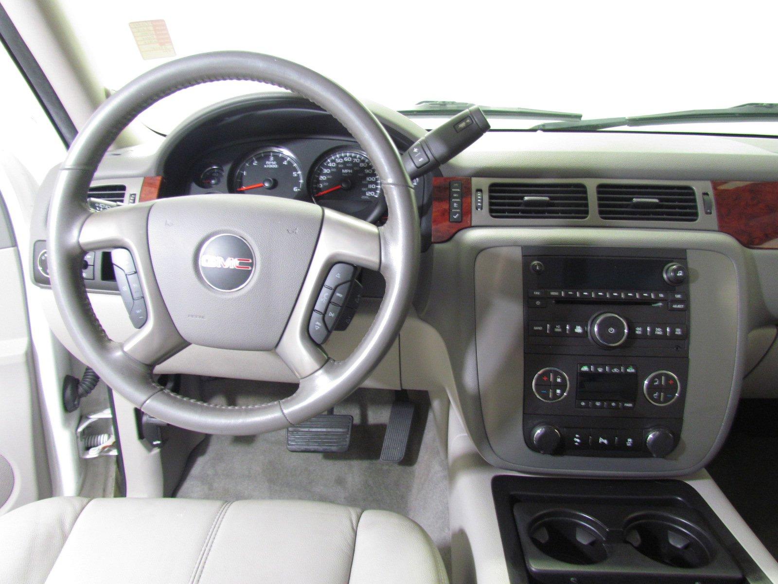 Pre-Owned 2014 GMC Yukon SLT