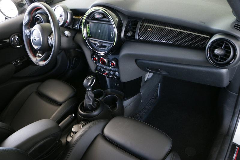 Pre-Owned 2018 MINI Hardtop 4 Door S