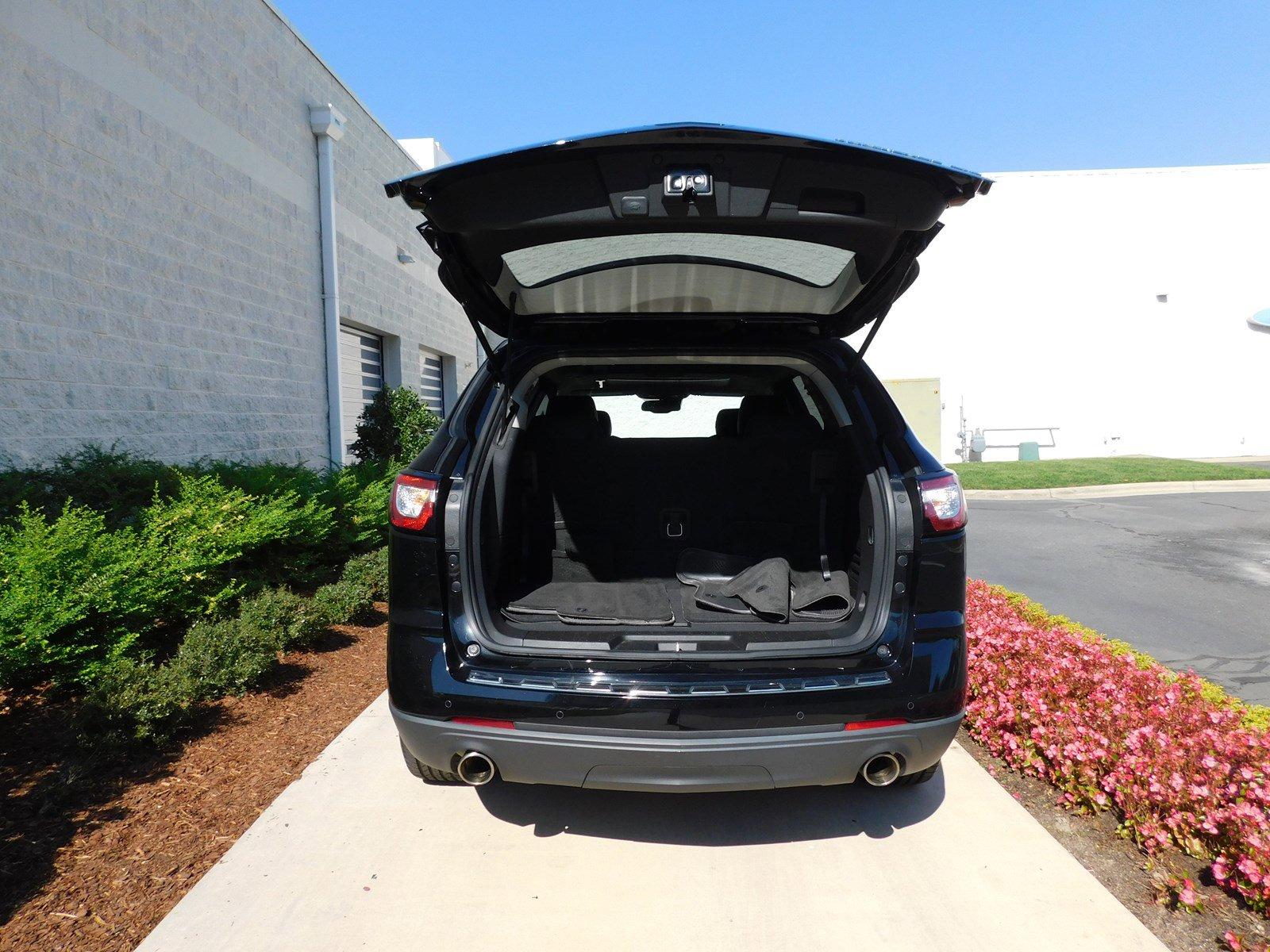 Pre-Owned 2016 Chevrolet Traverse LTZ