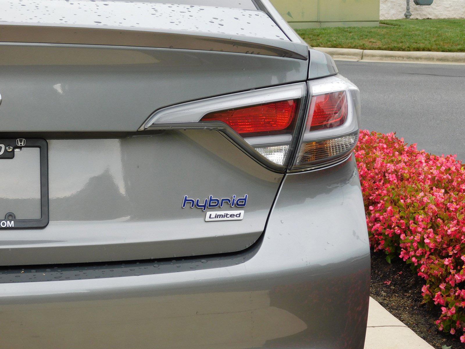 Pre-Owned 2017 Hyundai Sonata Hybrid Limited