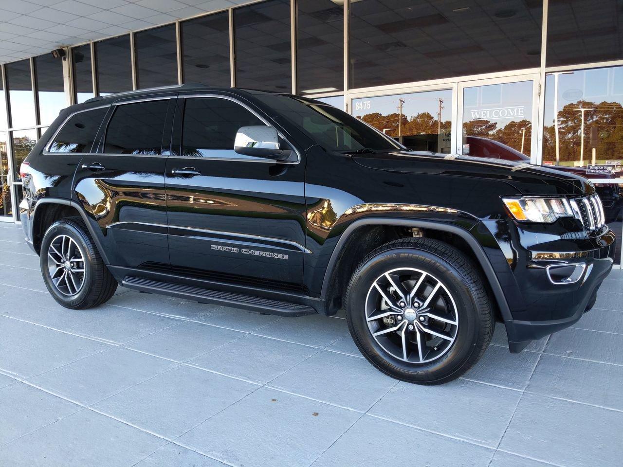 Pre-Owned 2018 Jeep Grand Cherokee Laredo E