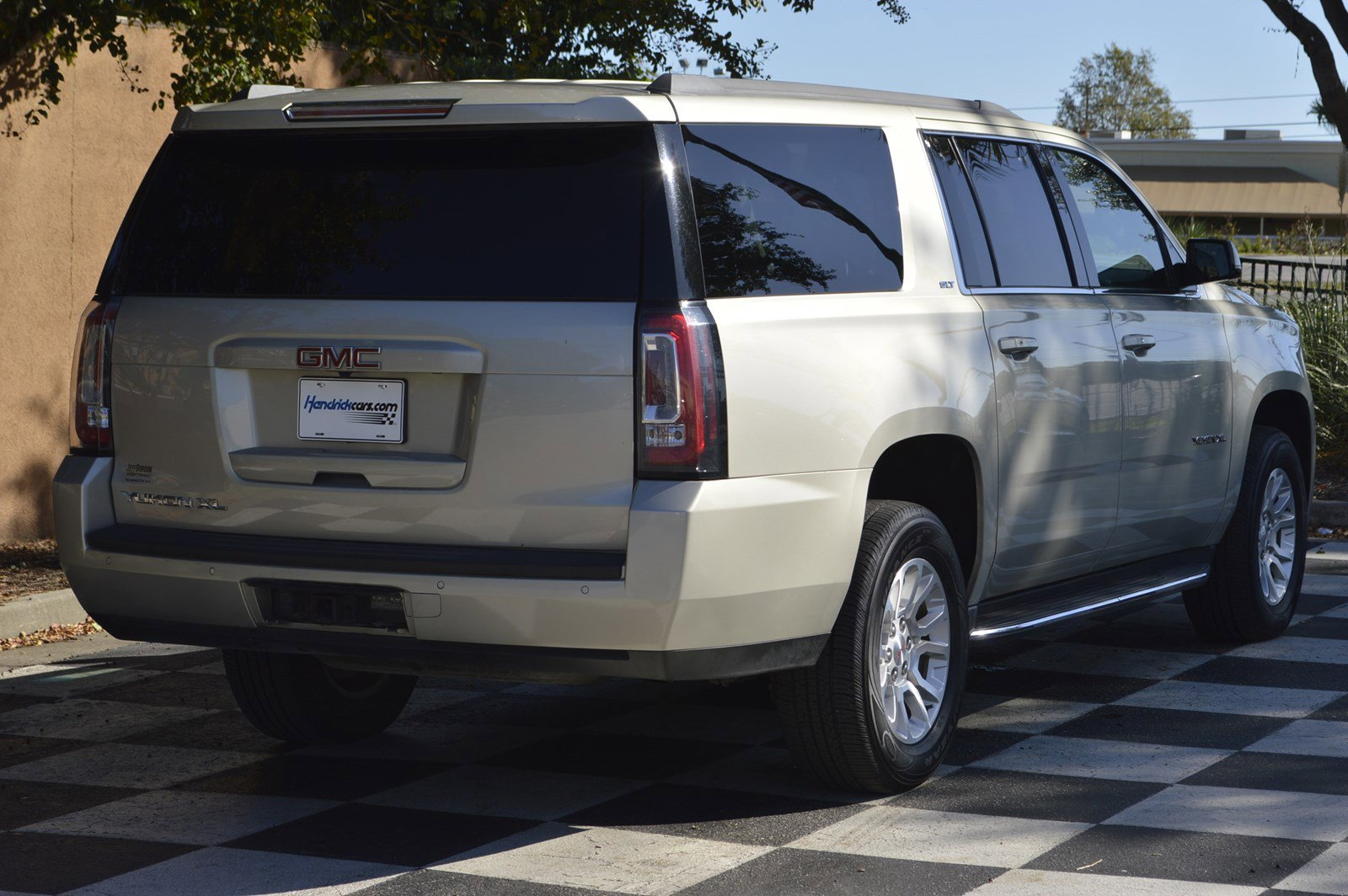 Certified Pre-Owned 2017 GMC Yukon XL SLT