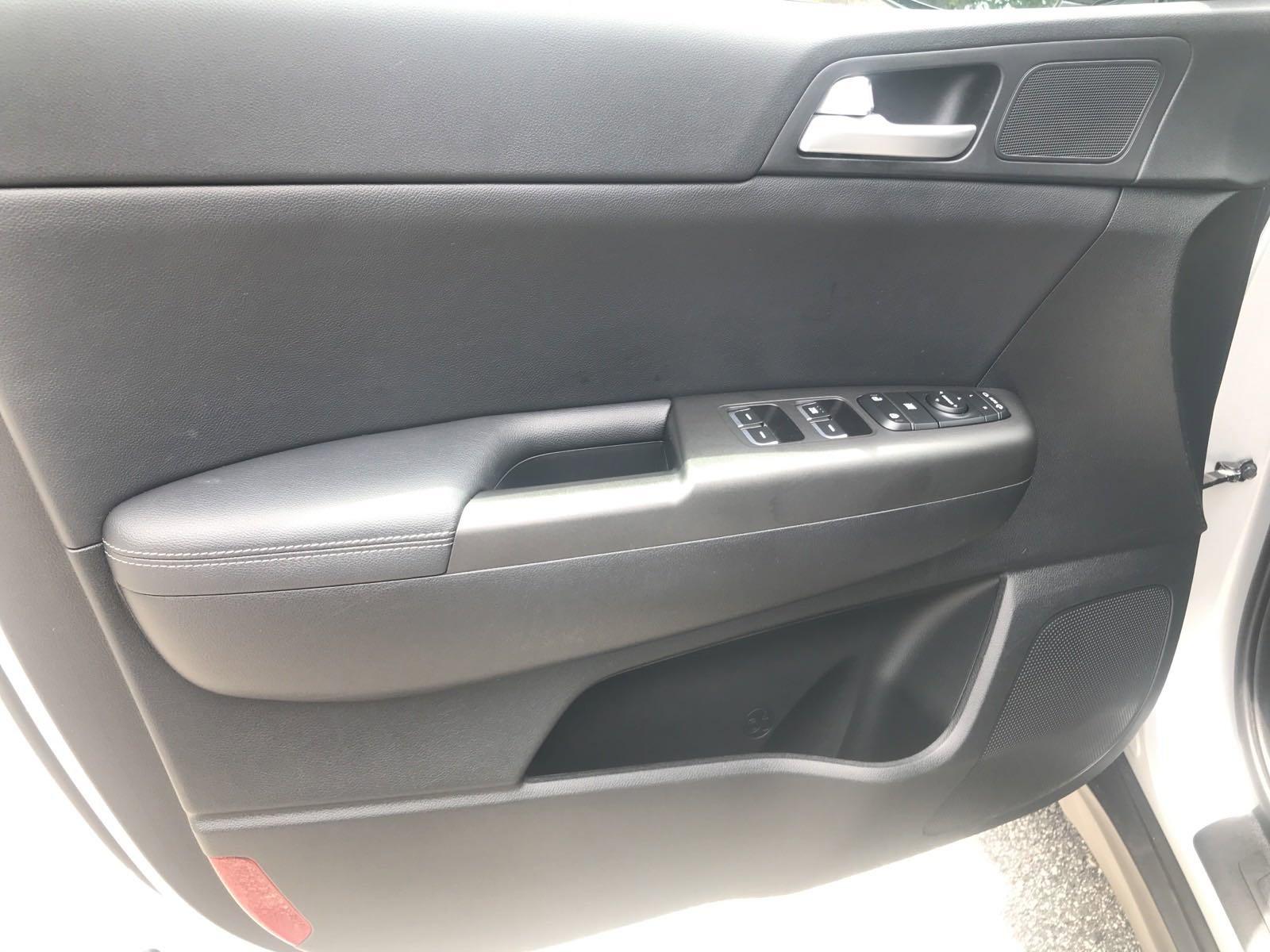 Pre-Owned 2017 Kia Sportage EX