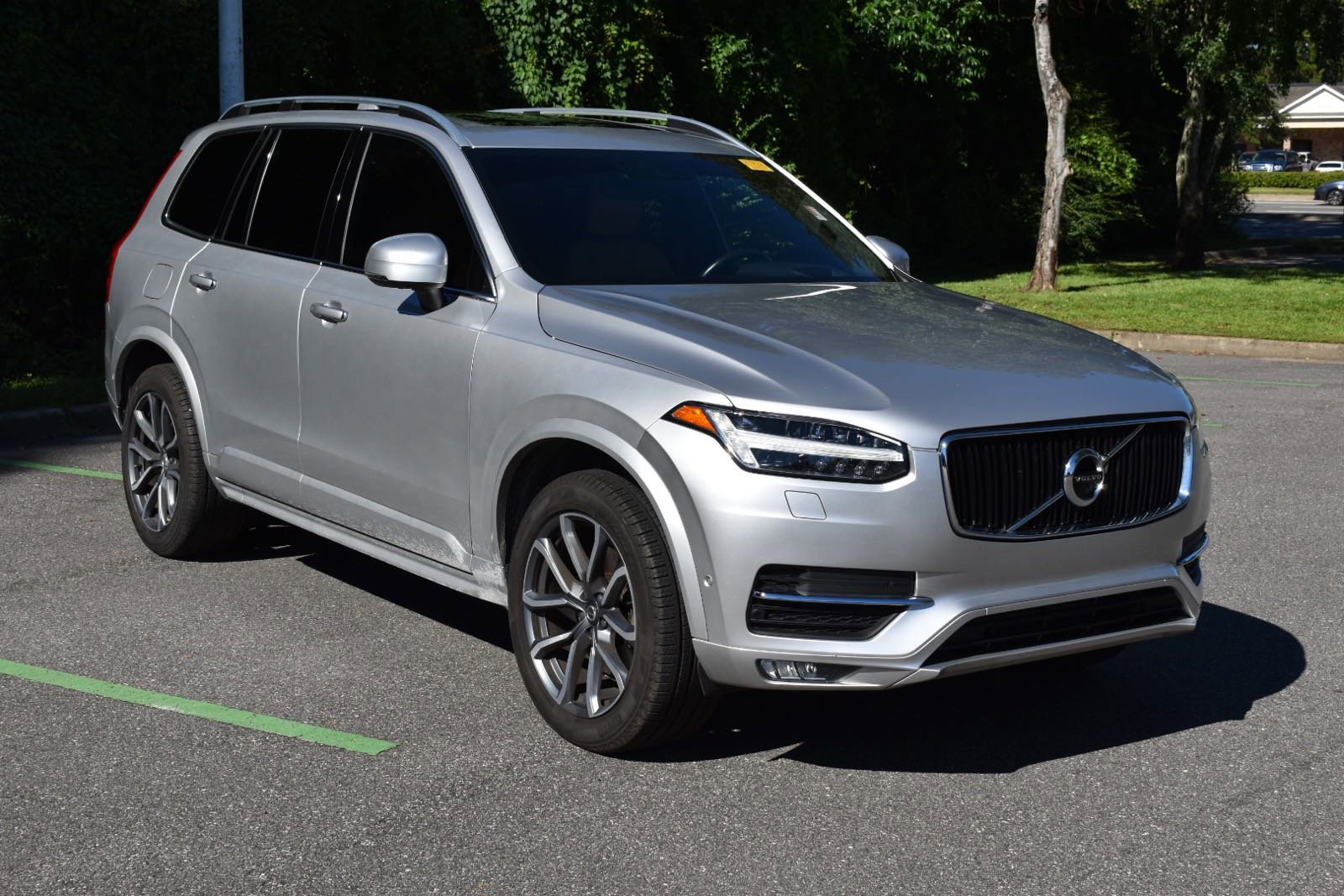 Pre-Owned 2019 Volvo XC90 Momentum