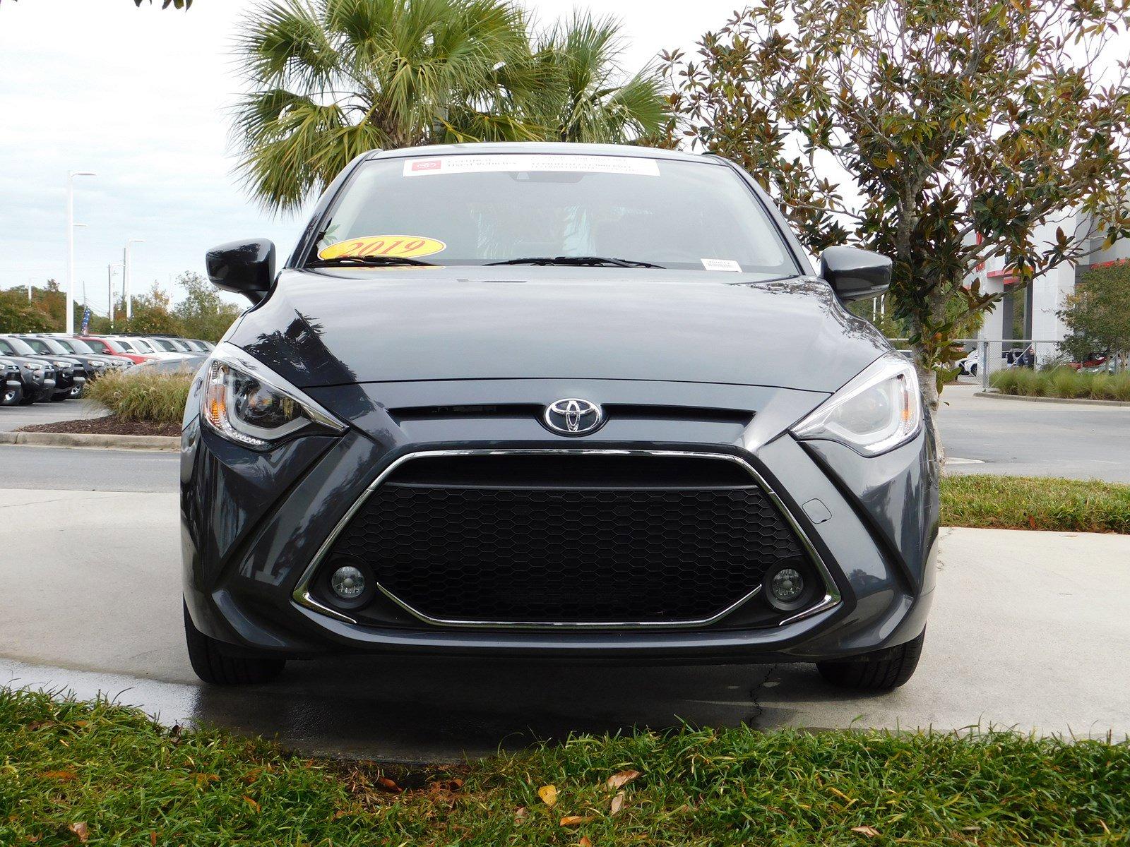 Pre-Owned 2019 Toyota Yaris Sedan XLE