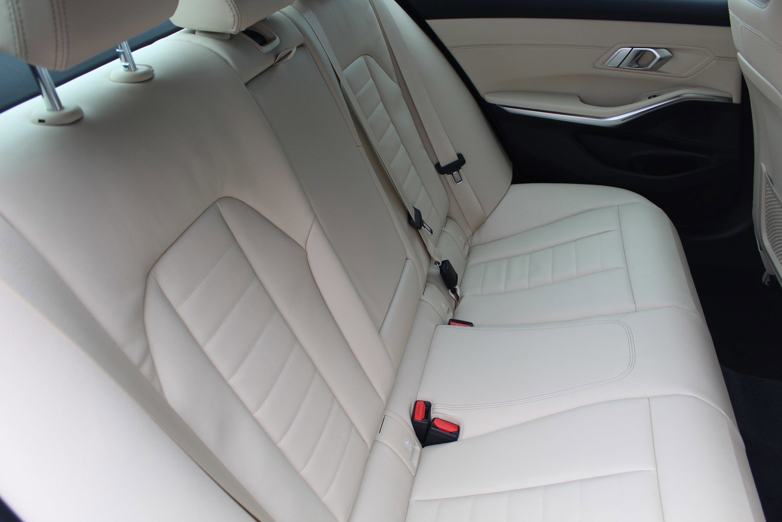 Pre-Owned 2019 BMW 3 Series 330i xDrive