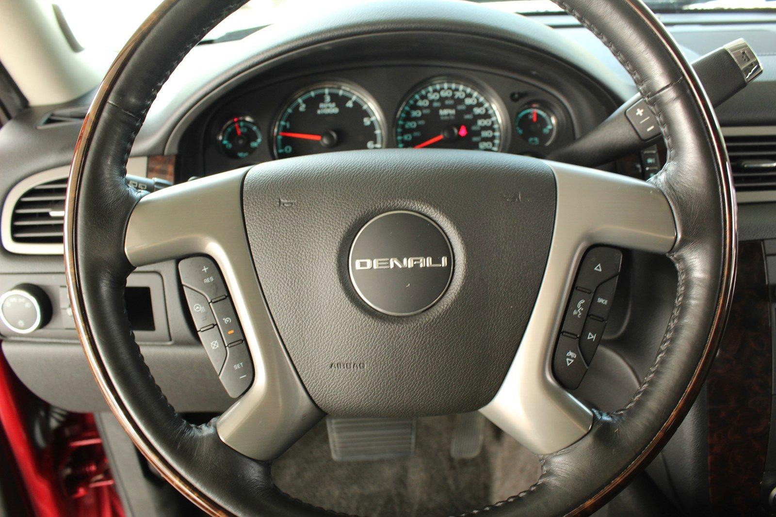 Pre-Owned 2014 GMC Yukon Denali