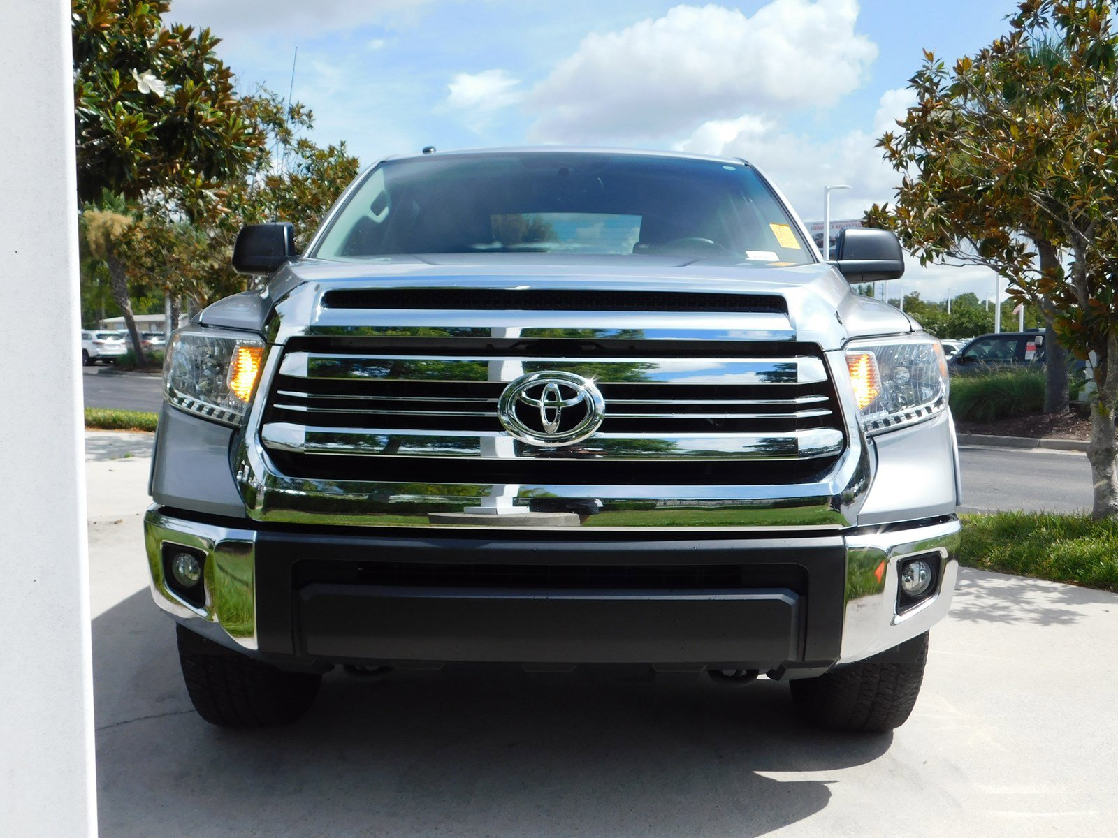 Certified Pre-Owned 2016 Toyota Tundra 2WD Truck SR5