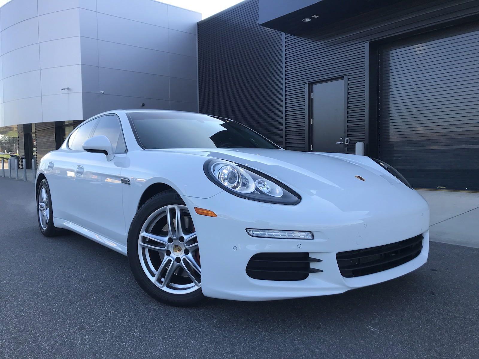 Pre-Owned 2015 Porsche Panamera