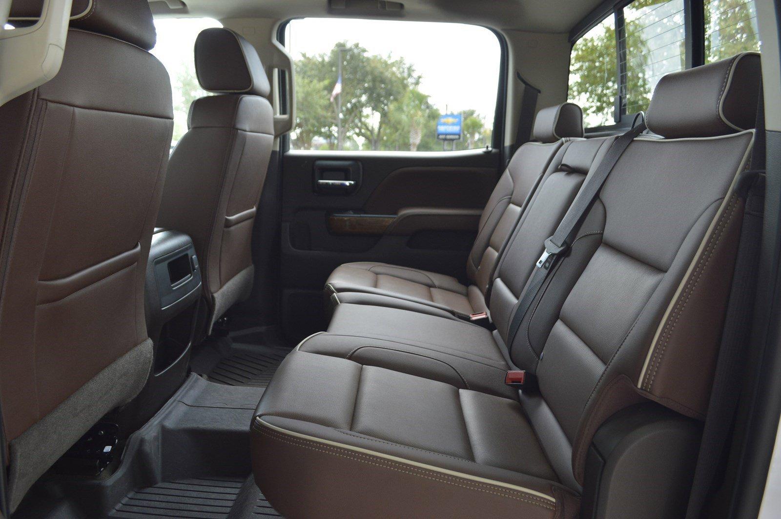 Pre-Owned 2018 Chevrolet Silverado 2500HD High Country