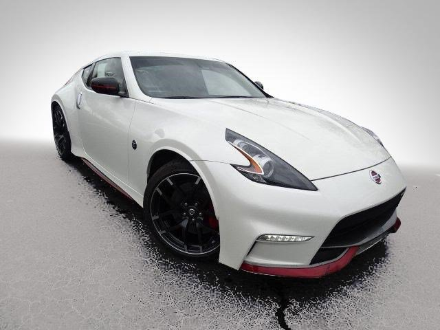 Pre-Owned 2017 Nissan 370Z NISMO