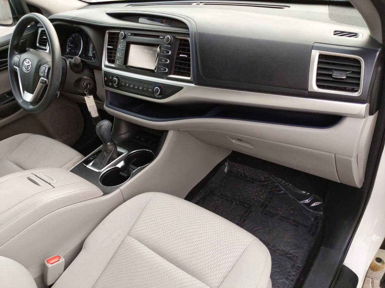 Pre-Owned 2017 Toyota Highlander LE