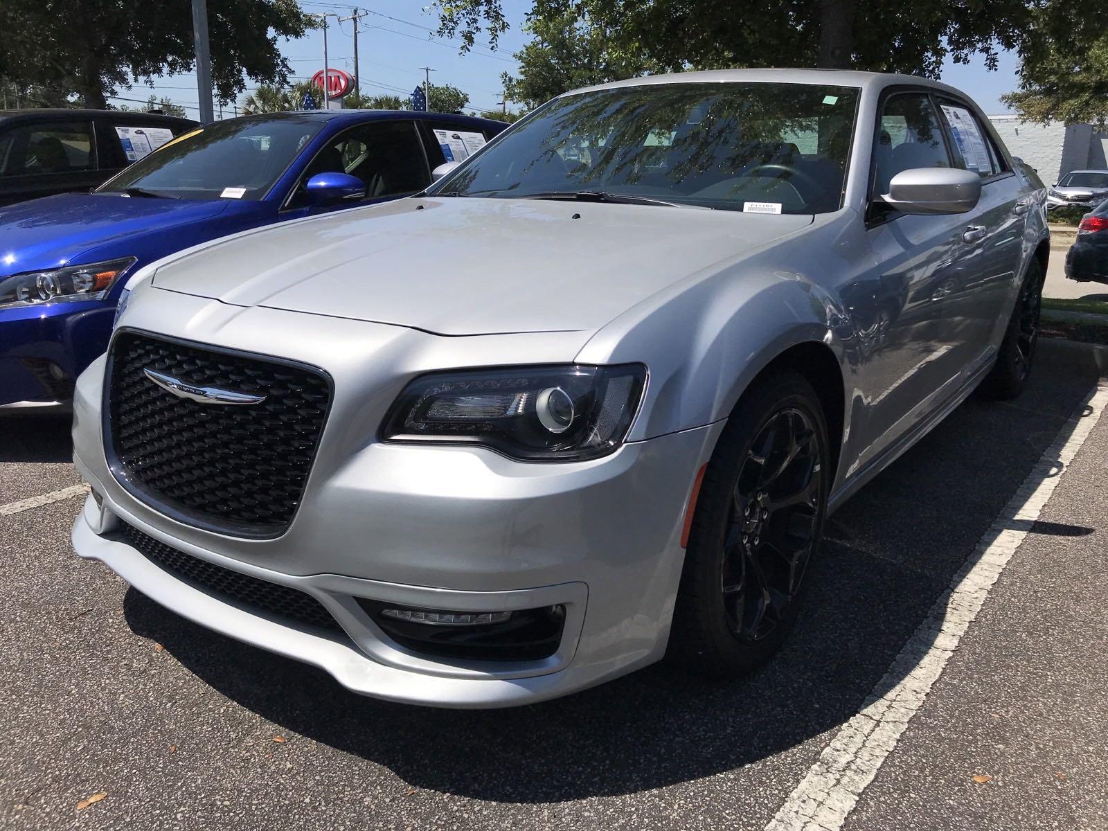 Pre-Owned 2020 Chrysler 300 300S