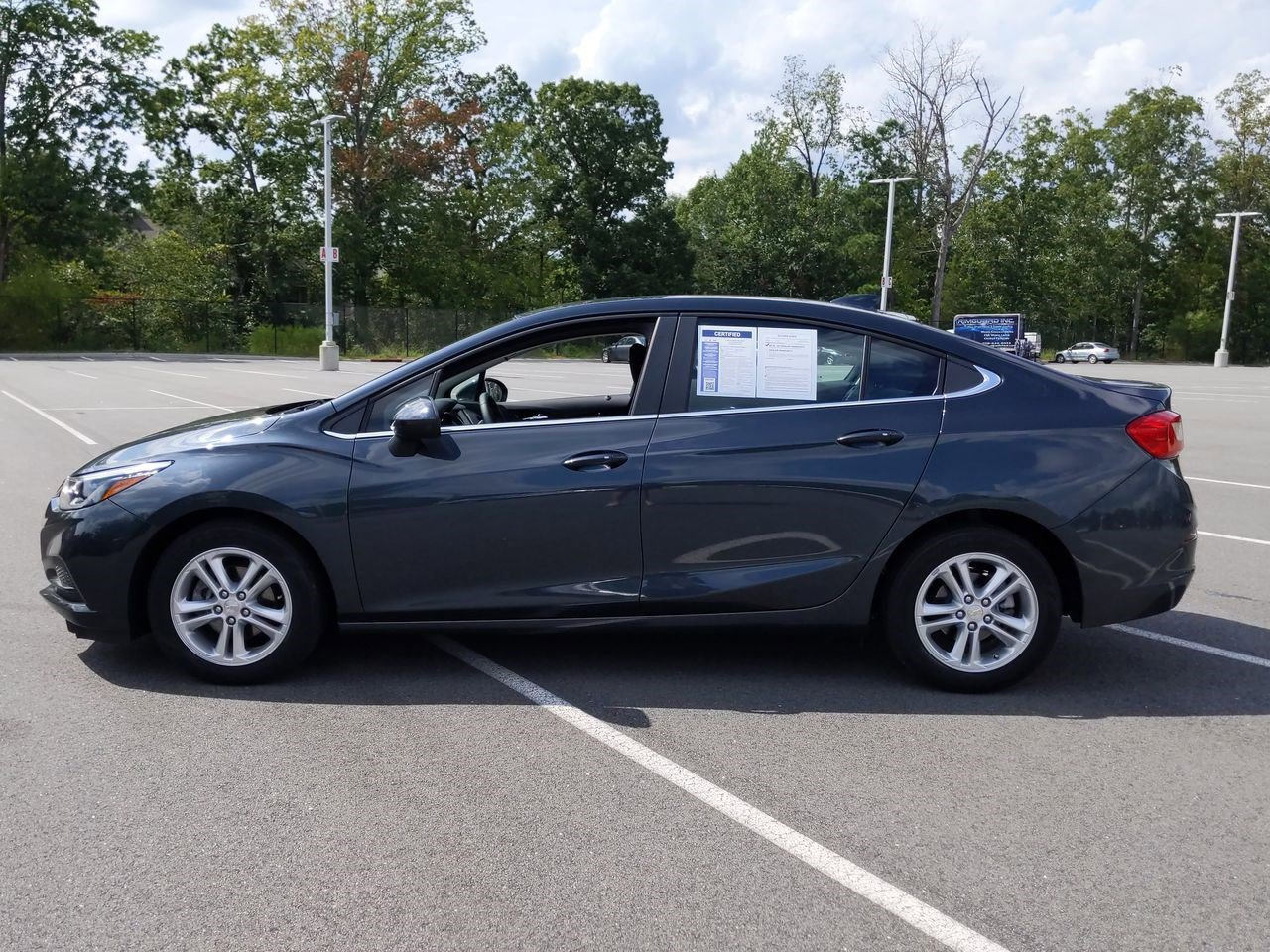 Certified Pre-Owned 2017 Chevrolet Cruze LT