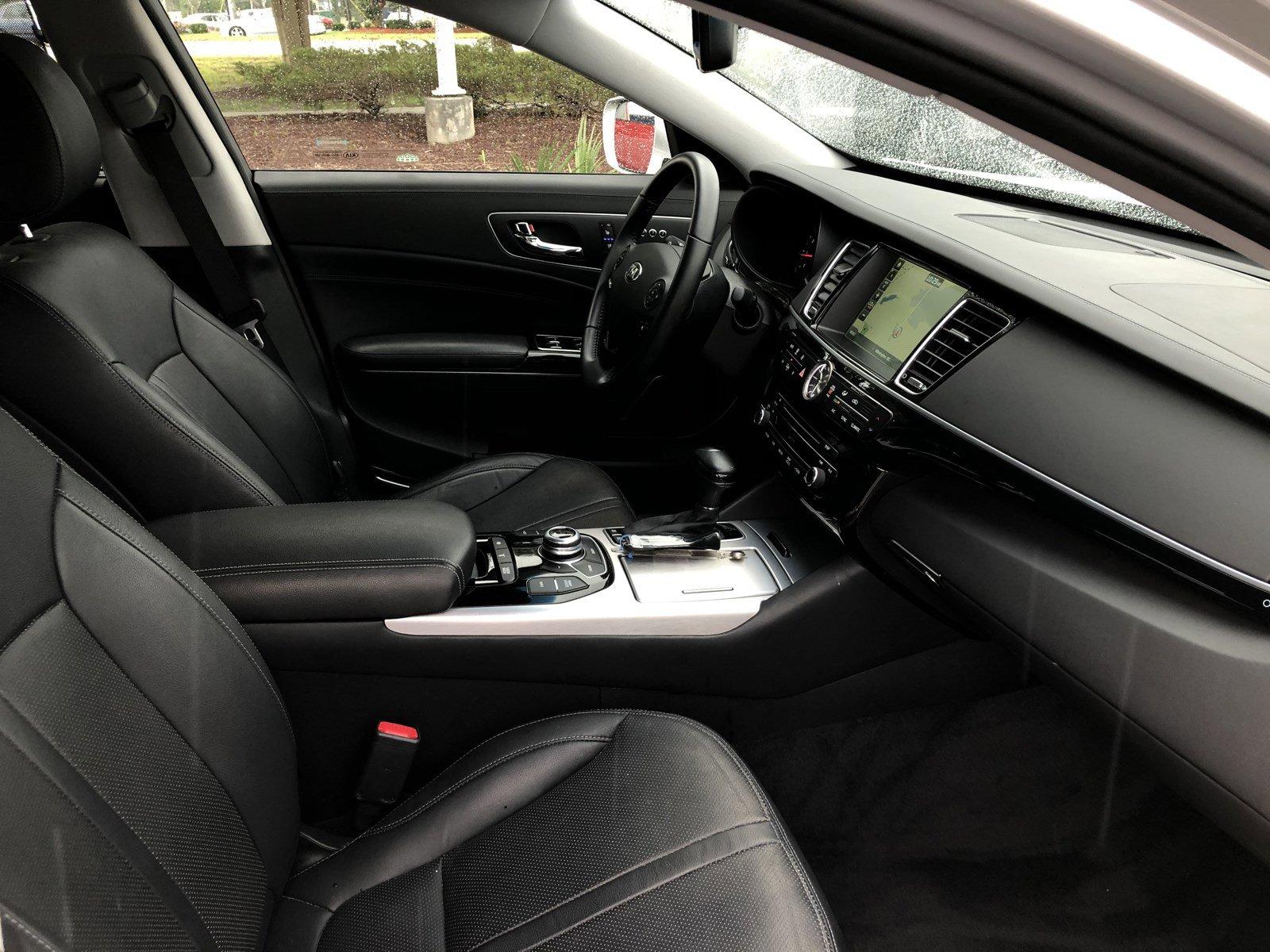 Pre-Owned 2017 Kia K900 Premium