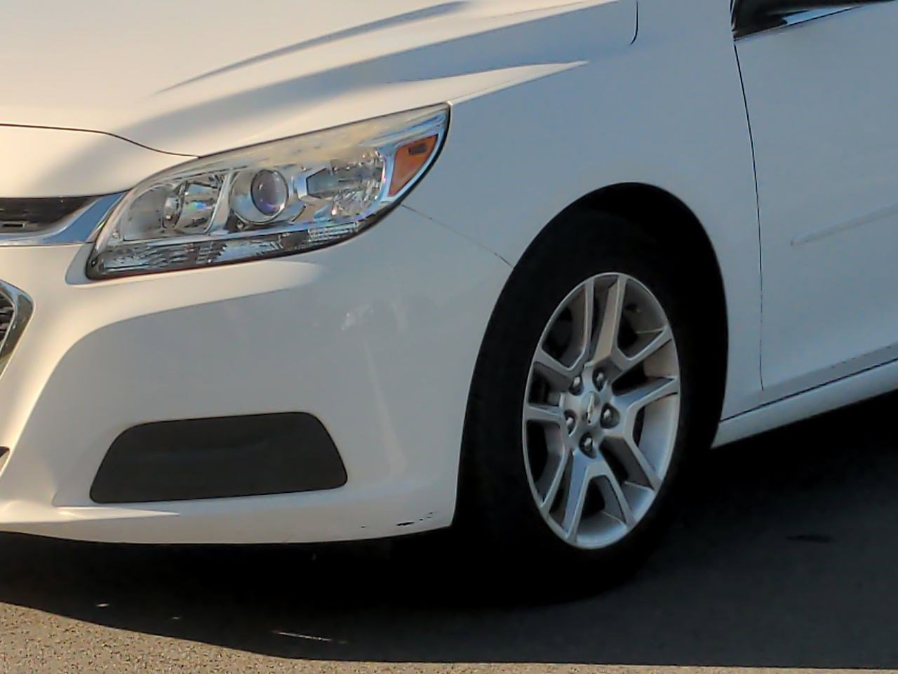 Pre-Owned 2015 Chevrolet Malibu LT