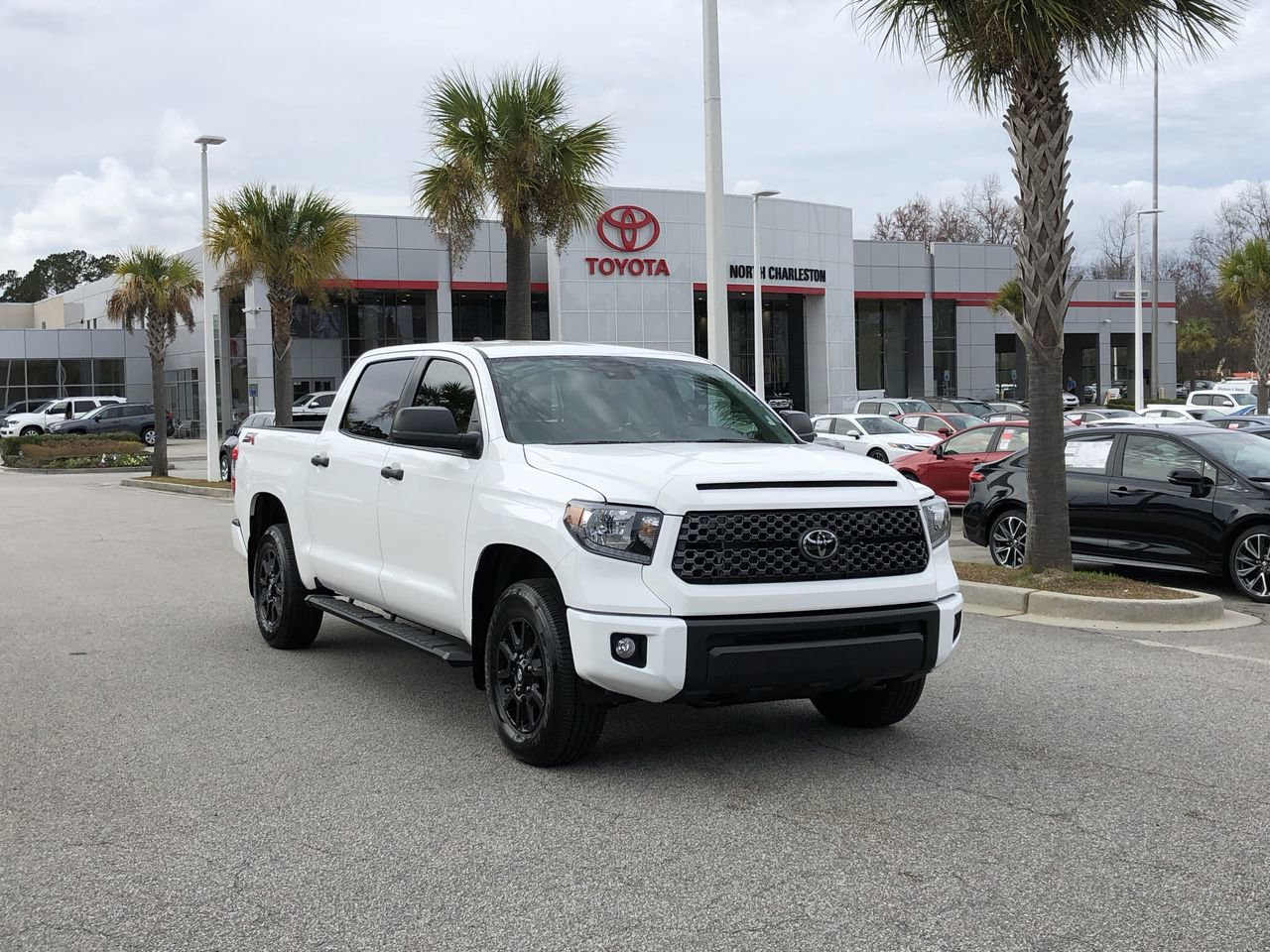 Pre-Owned 2020 Toyota Tundra SR5