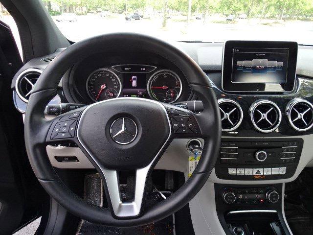 Pre-Owned 2017 Mercedes-Benz B-Class B 250e