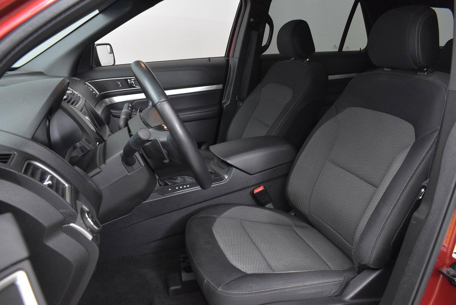 Pre-Owned 2016 Ford Explorer XLT