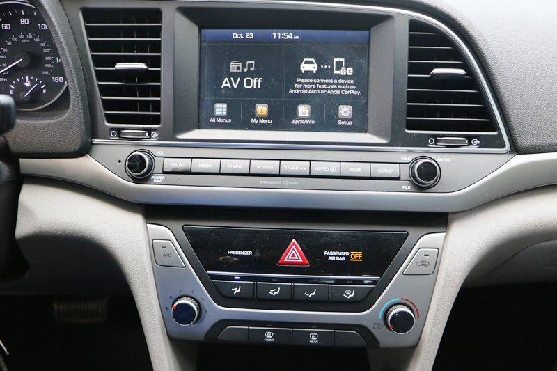 Pre-Owned 2018 Hyundai Elantra SEL