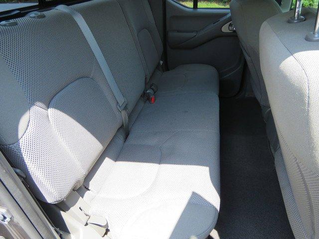 Pre-Owned 2017 Nissan Frontier SV V6