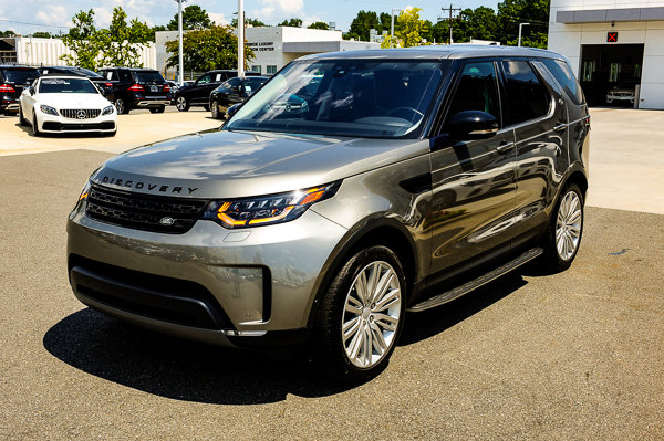 Pre-Owned 2017 Land Rover Discovery First Edition
