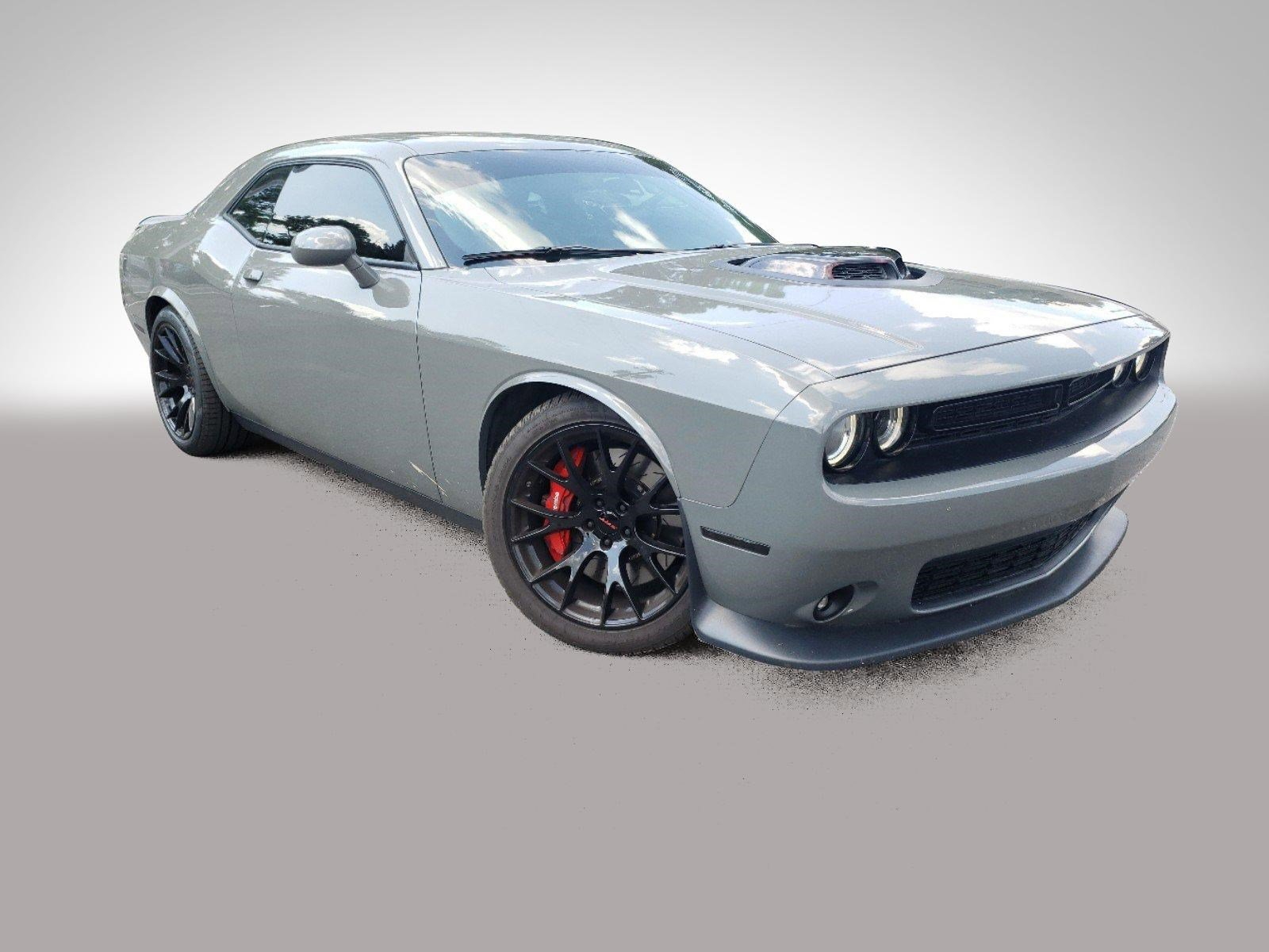 Pre-Owned 2017 Dodge Challenger 392 Hemi Scat Pack Shaker