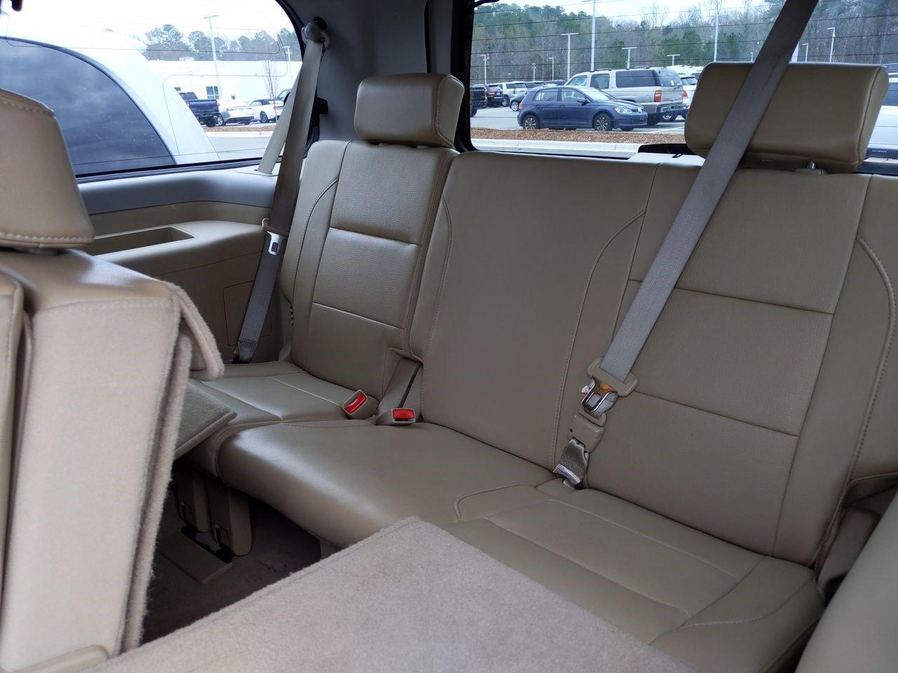 Pre-Owned 2014 Nissan Armada SL