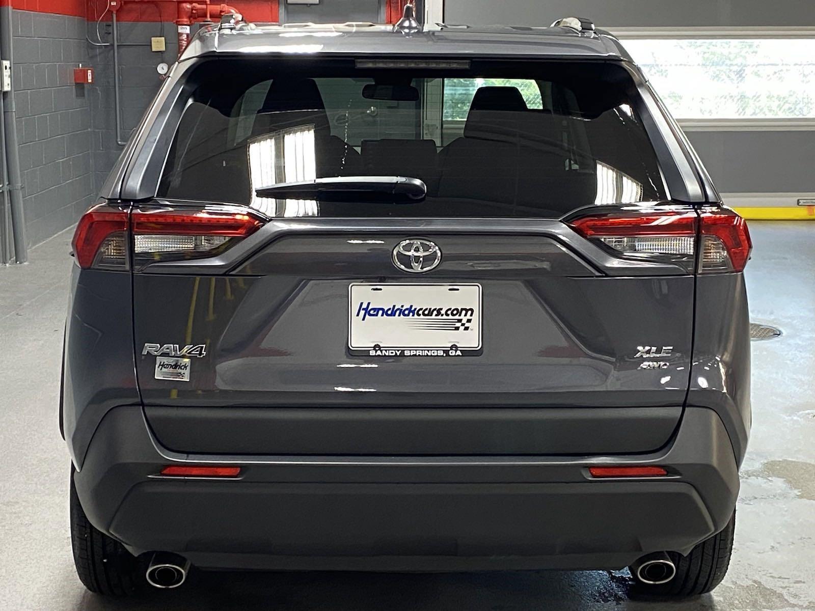 Pre-Owned 2020 Toyota RAV4 XLE