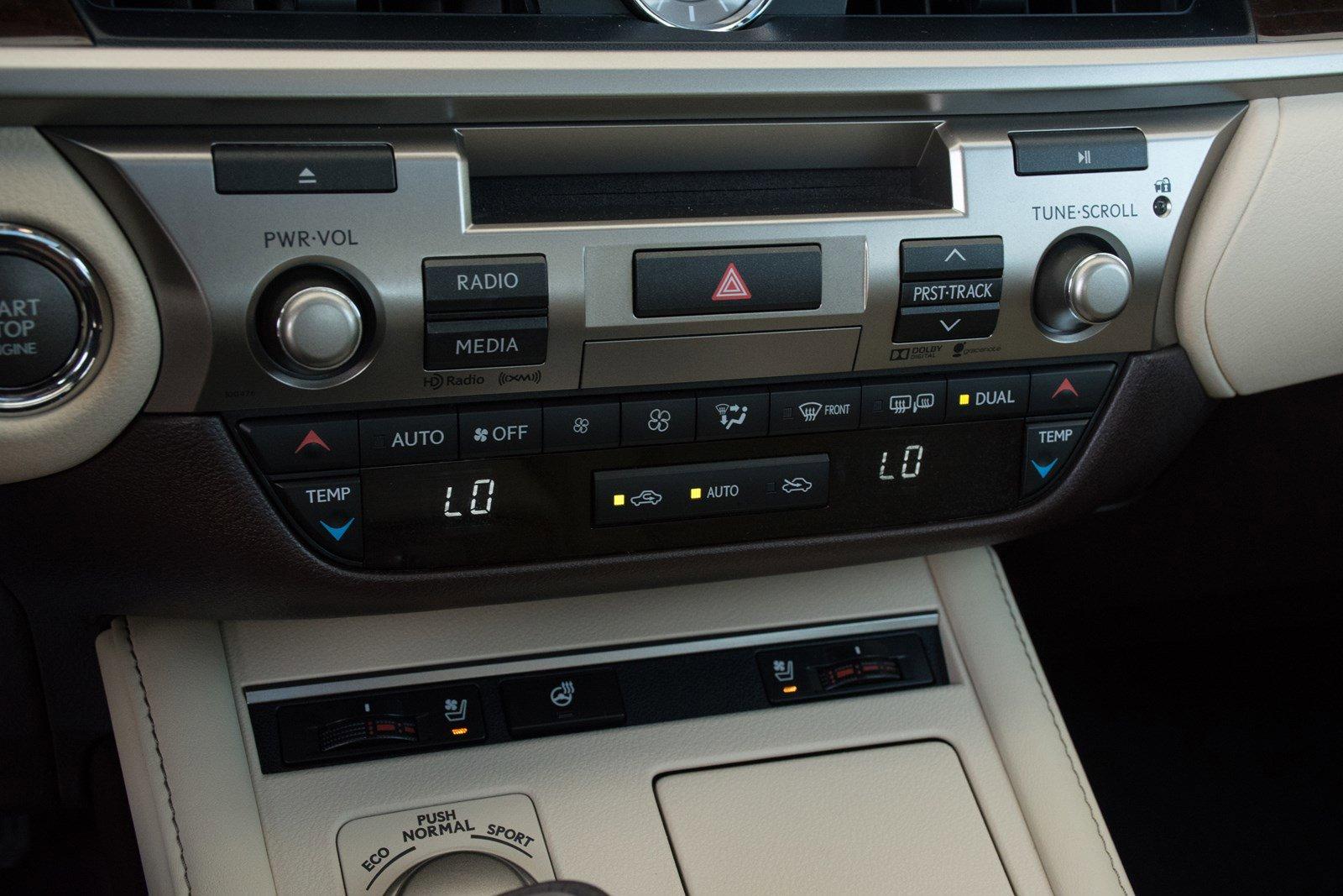 Pre-Owned 2016 Lexus ES 350 Premium