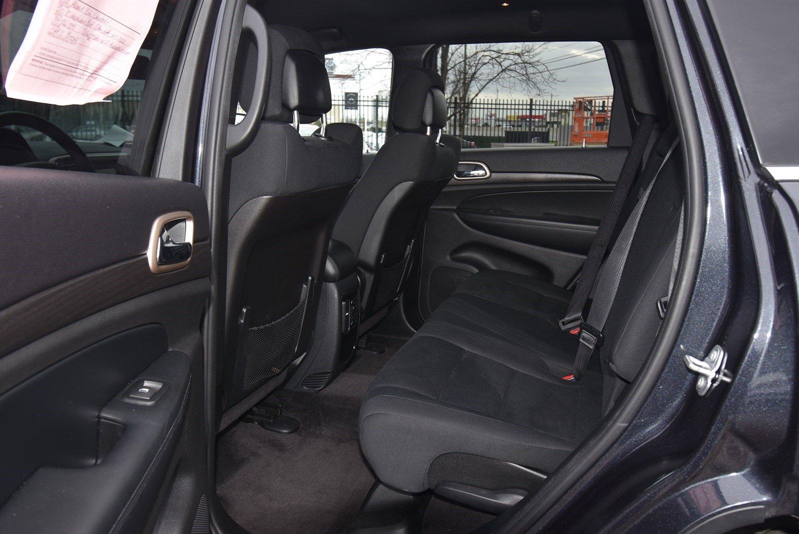Pre-Owned 2016 Jeep Grand Cherokee Laredo