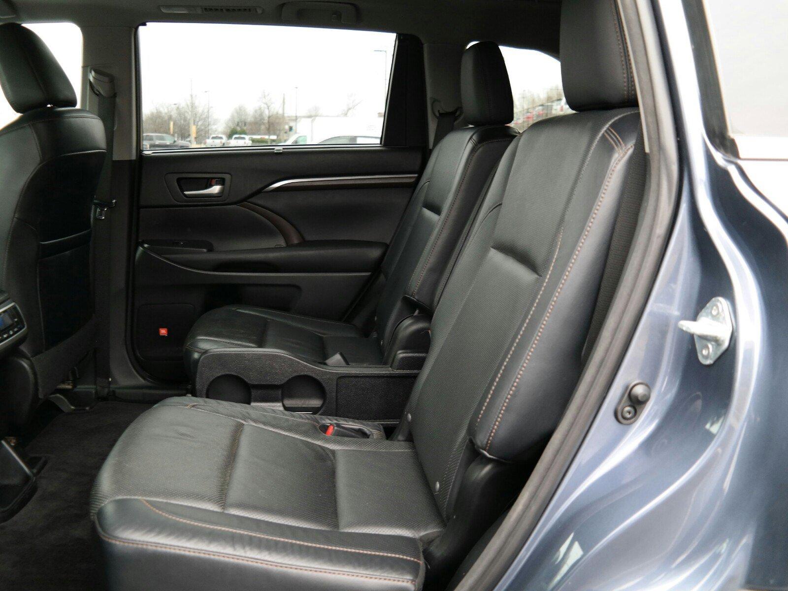 Pre-Owned 2015 Toyota Highlander Limited