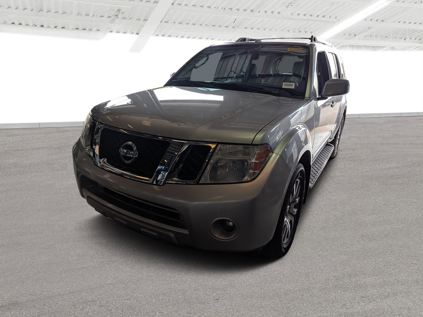 Pre-Owned 2011 Nissan Pathfinder LE
