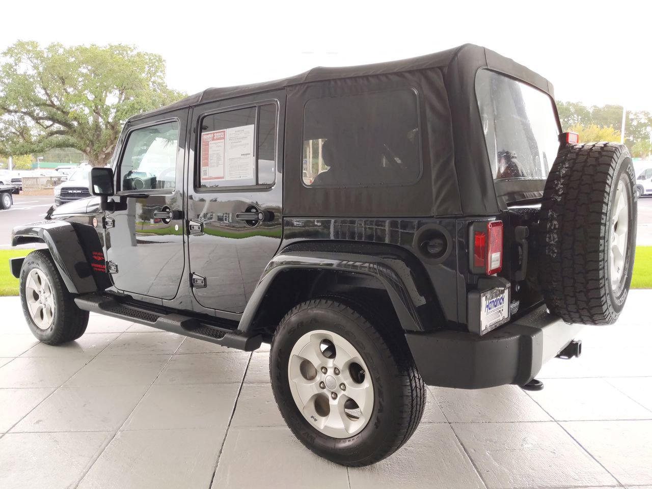 Pre-Owned 2013 Jeep Wrangler Unlimited Sahara