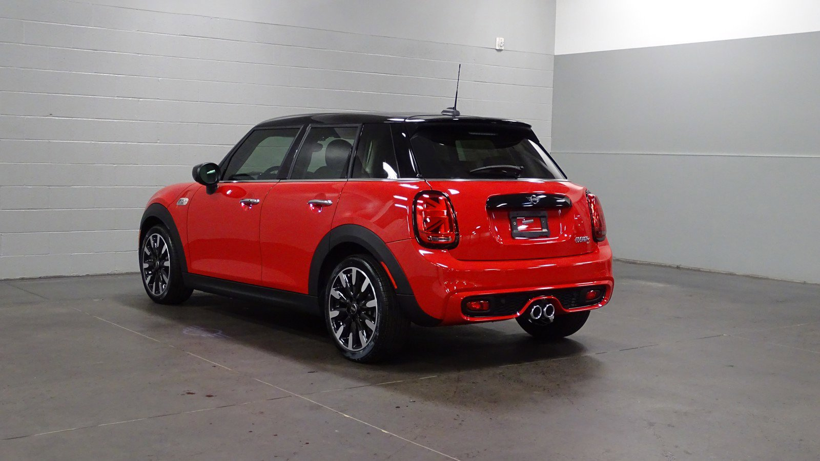 Pre-Owned 2021 MINI Hardtop 4 Door Cooper S