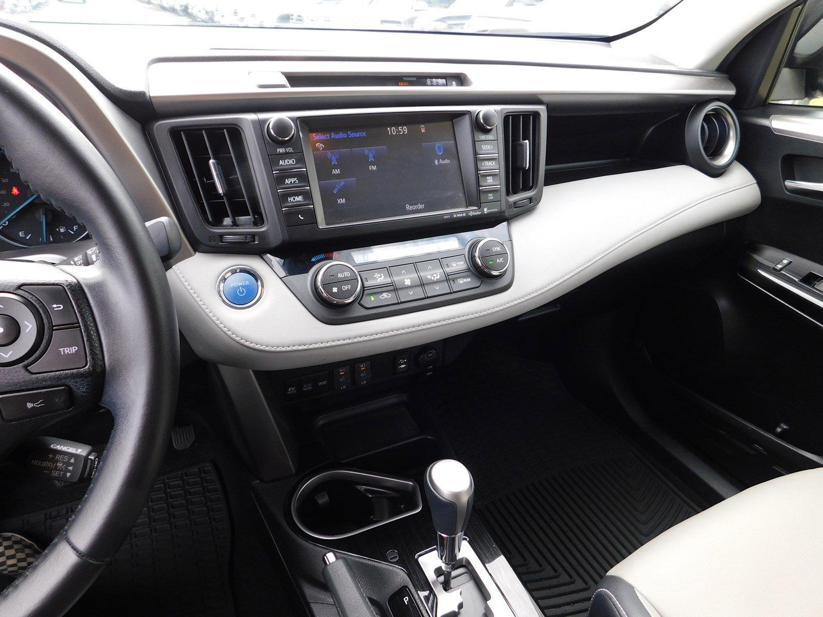 Pre-Owned 2017 Toyota RAV4 Hybrid Limited