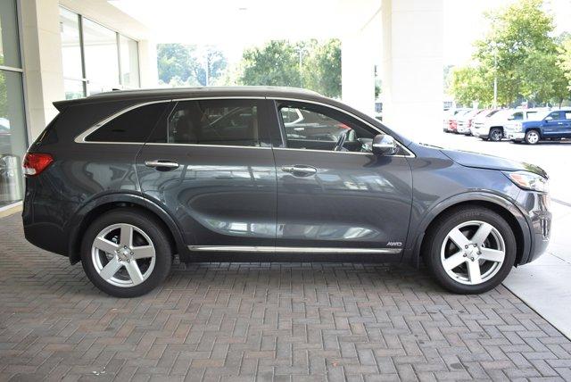 Certified Pre-Owned 2017 Kia Sorento Limited V6