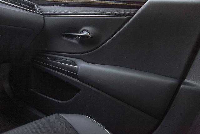 New 2019 Lexus ES ES300h Premium Pkg