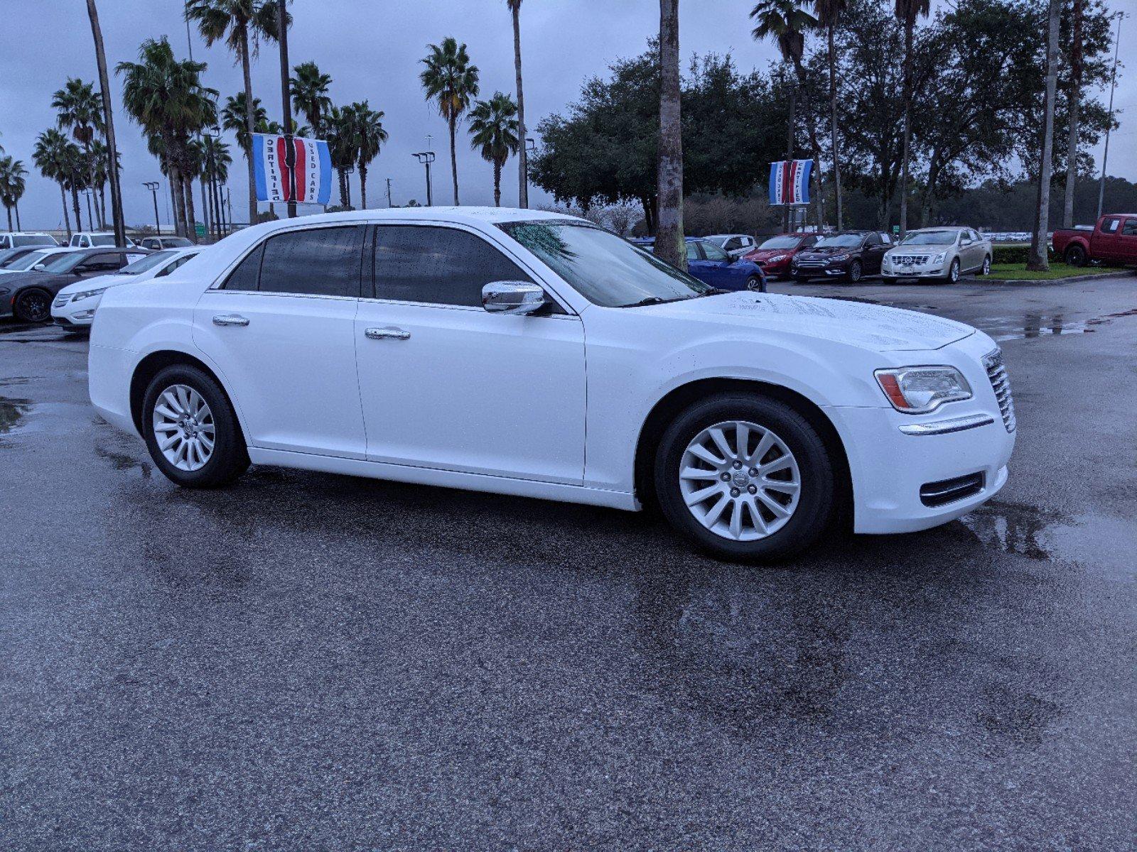 Pre-Owned 2014 Chrysler 300 Base