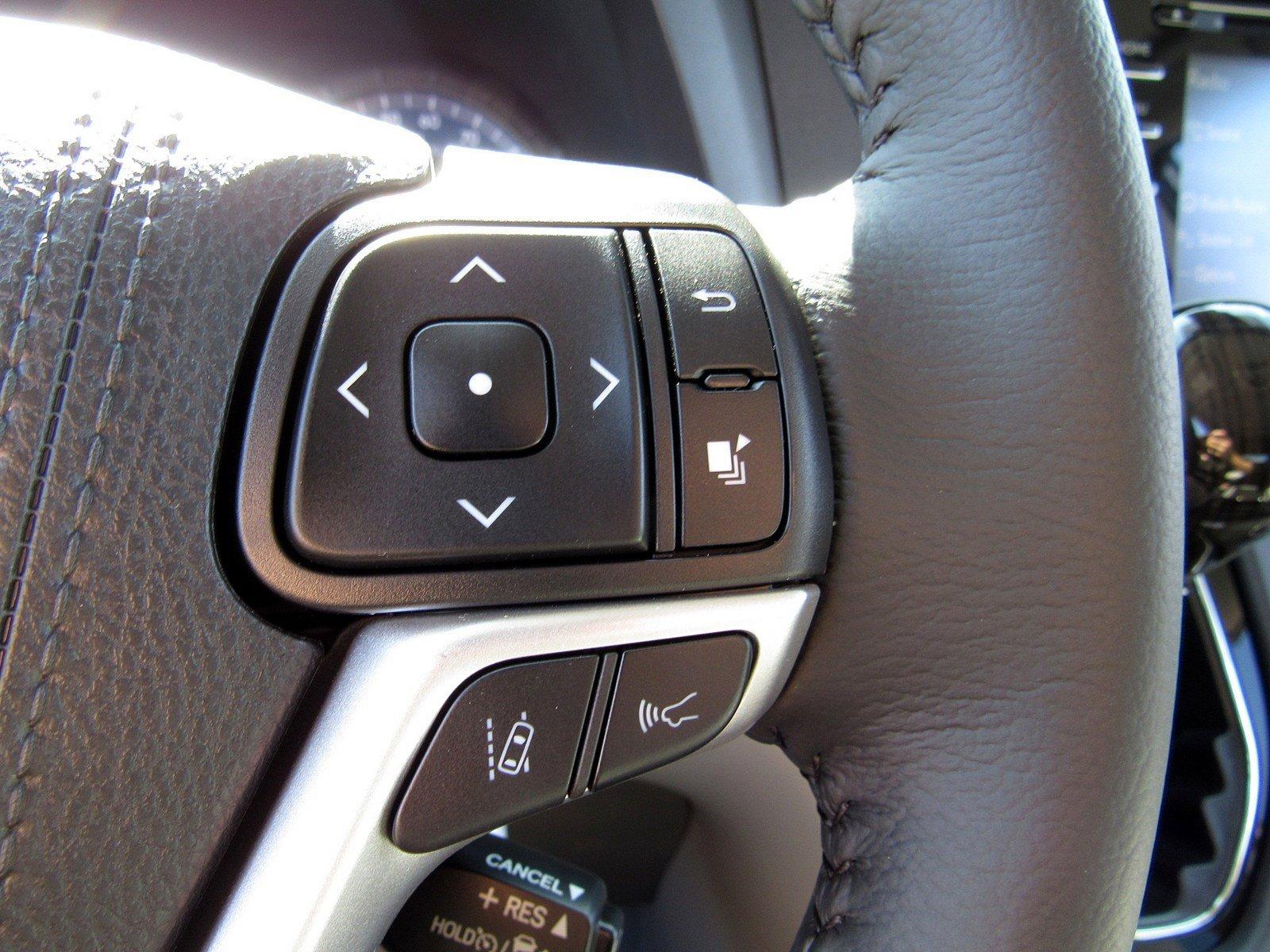 New 2020 Toyota Sienna XLE Premium