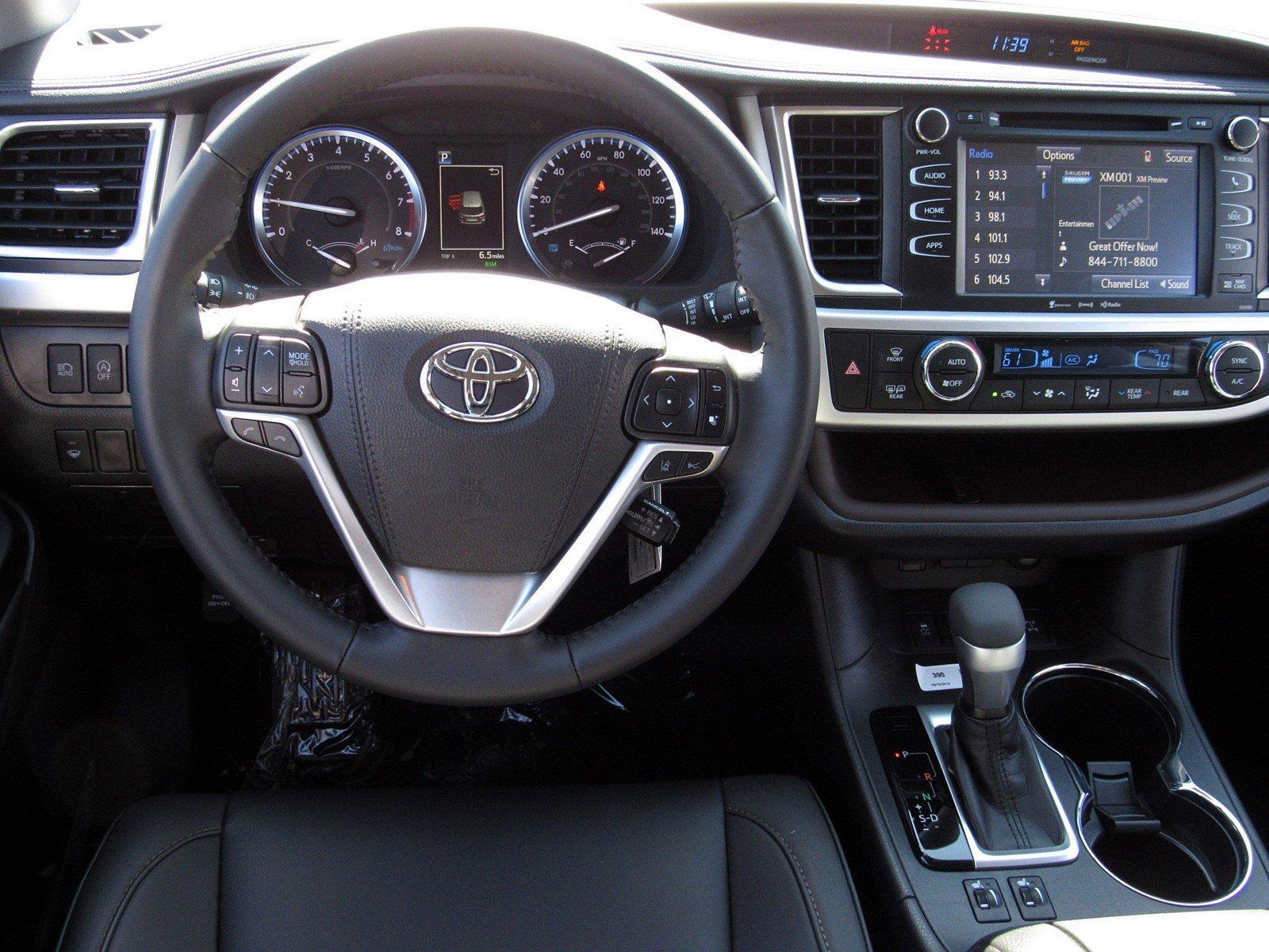 New 2019 Toyota Highlander XLE