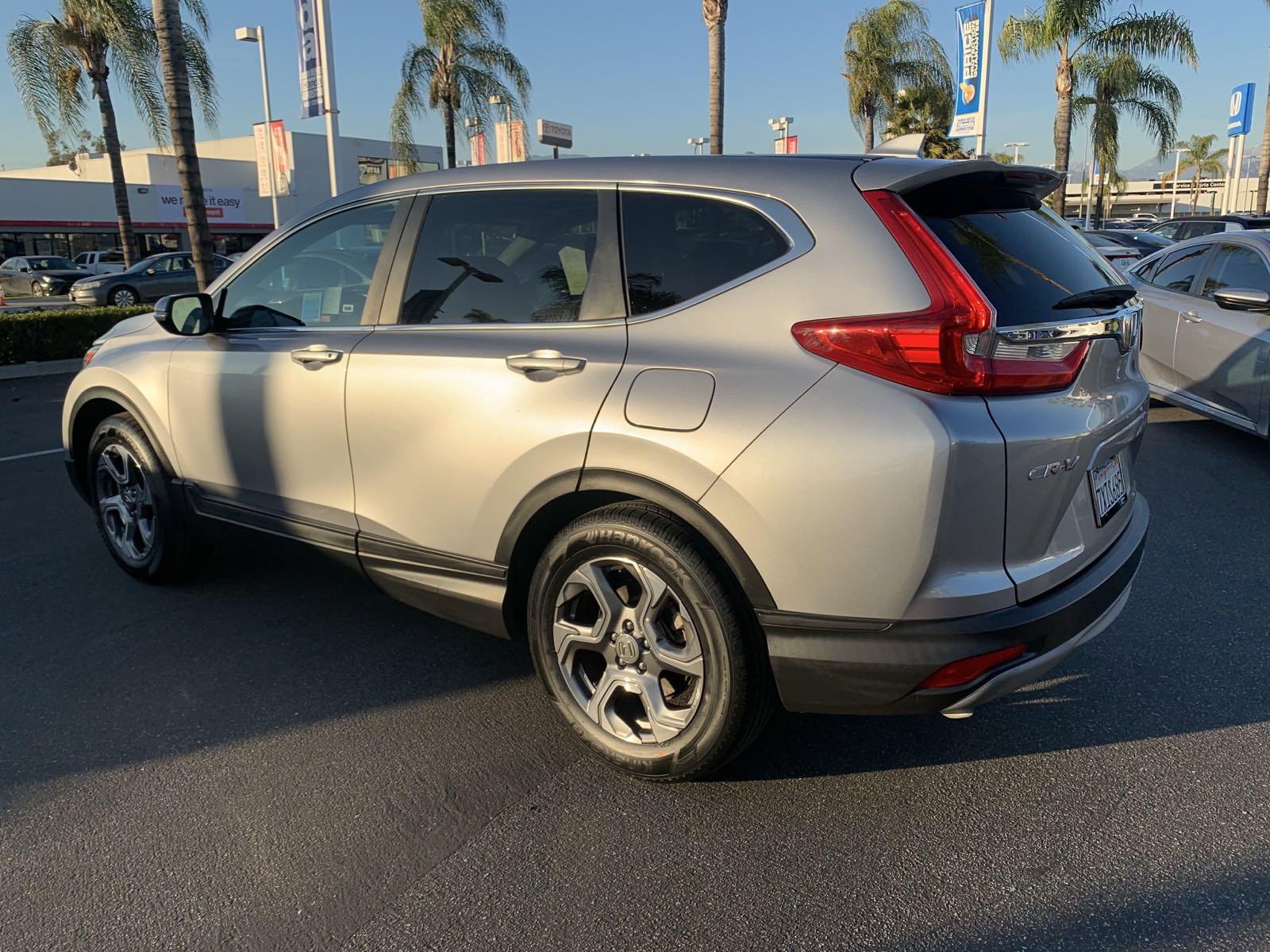 Pre-Owned 2017 Honda CR-V EX