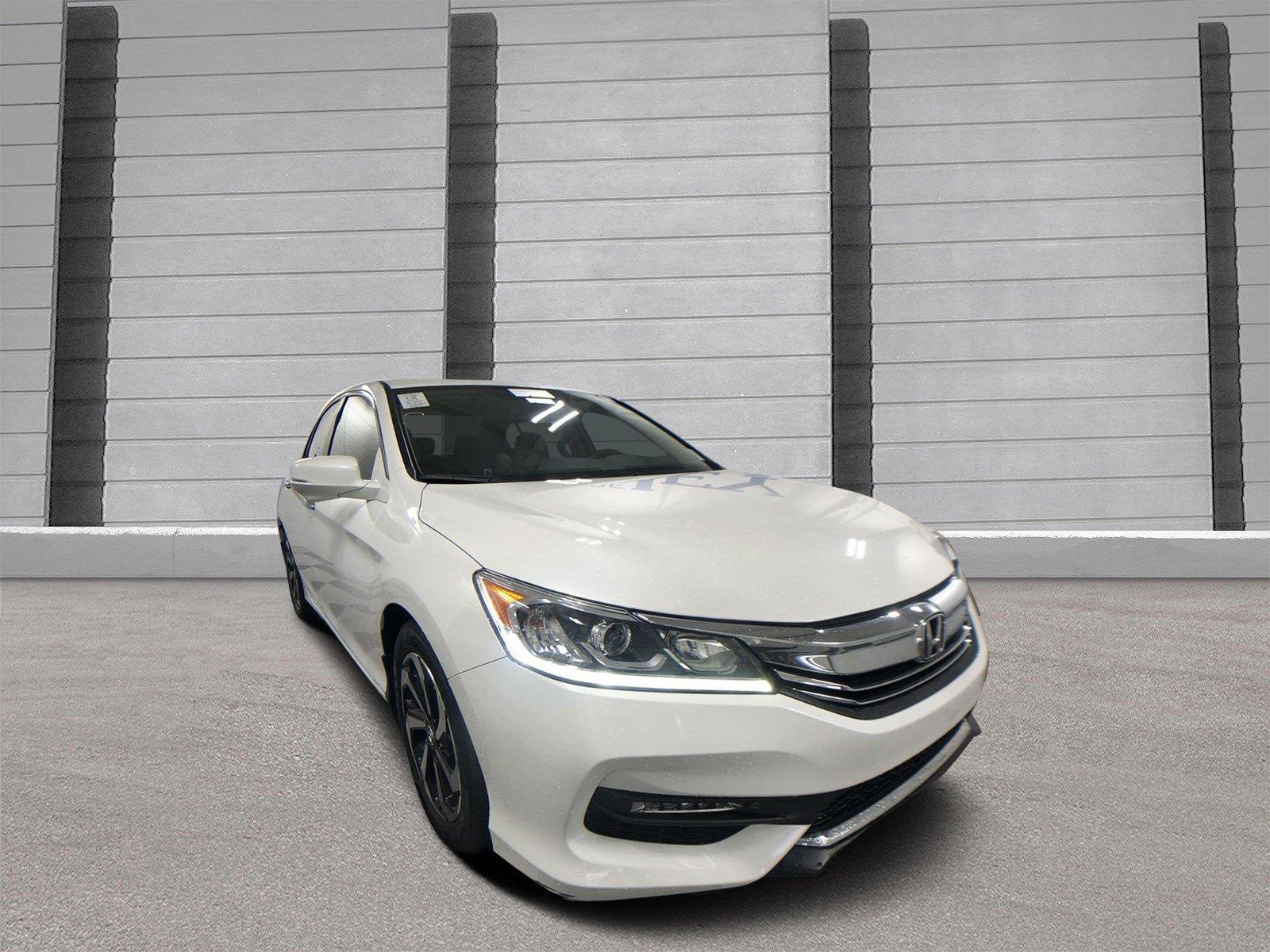 Pre-Owned 2017 Honda Accord Sedan EX