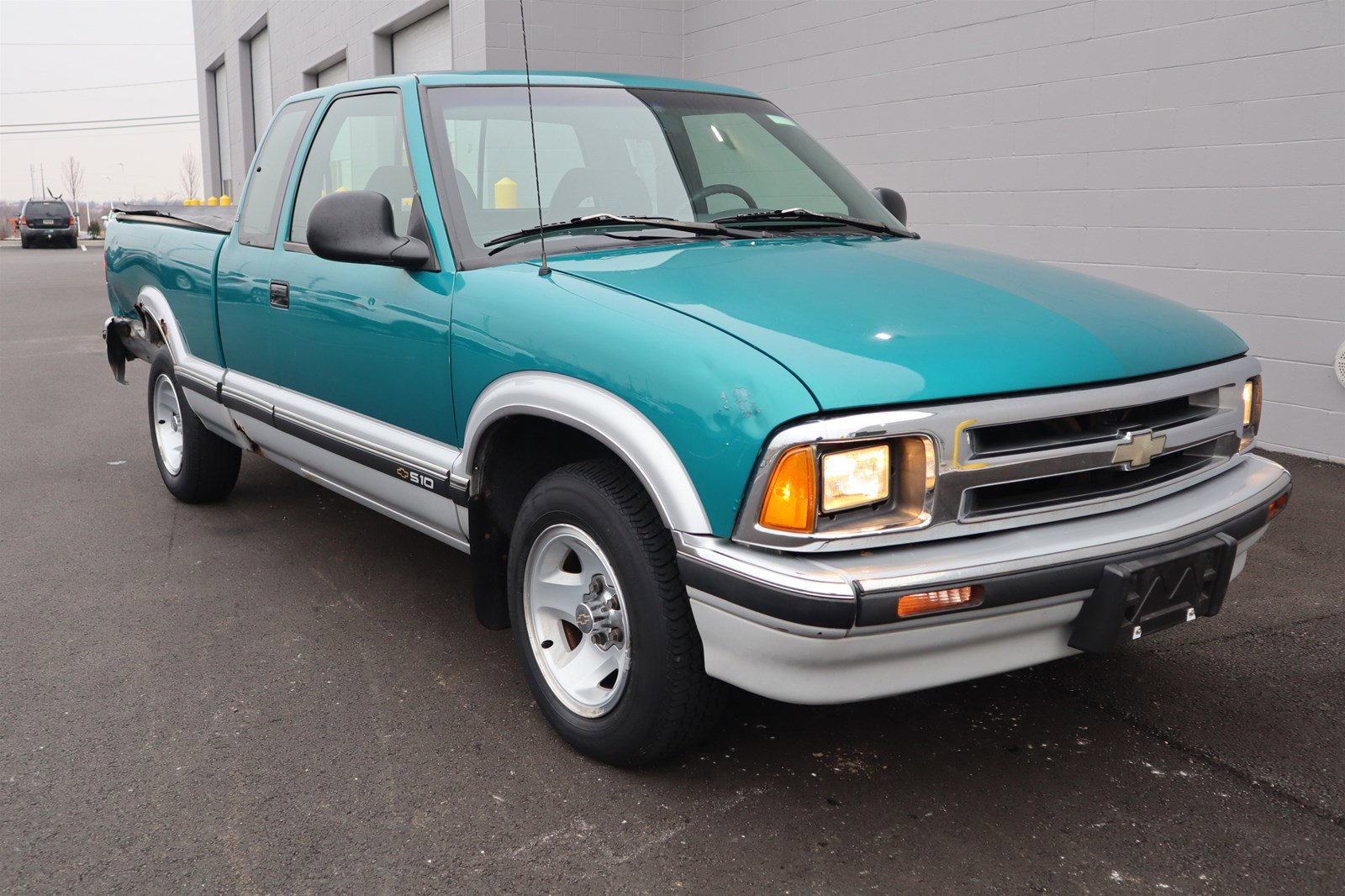 Pre-Owned 1996 Chevrolet S-10 LS