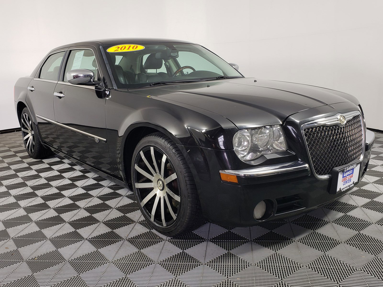 Pre-Owned 2010 Chrysler 300 300C Hemi