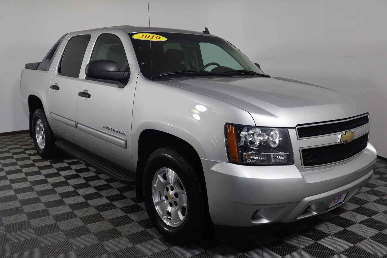 Pre-Owned 2010 Chevrolet Avalanche LS