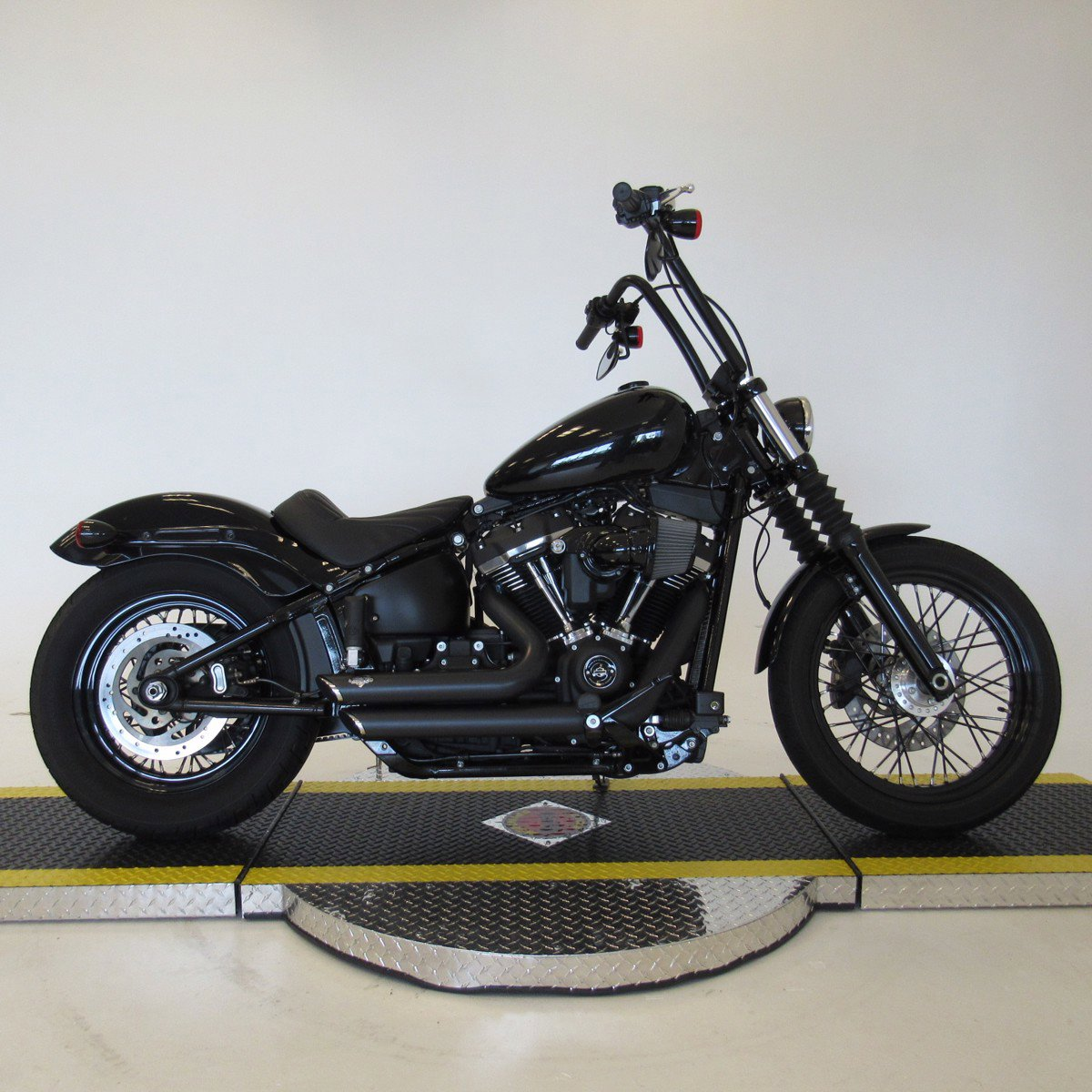 Pre-Owned 2020 Harley-Davidson Softail Street Bob FXBB