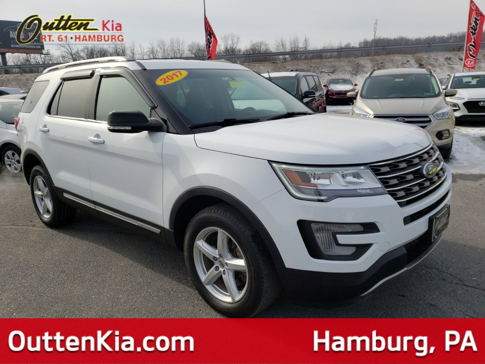 Pre-Owned 2017 Ford Explorer XLT 4WD Sport Utility