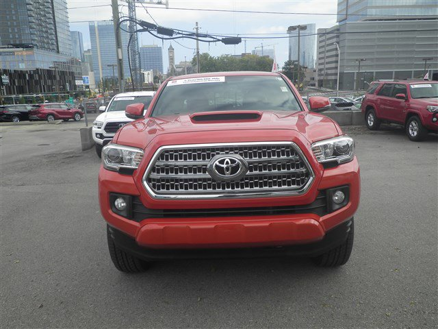 Certified Pre-Owned 2017 Toyota Tacoma