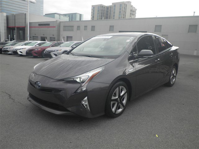 Pre-Owned 2017 Toyota Prius